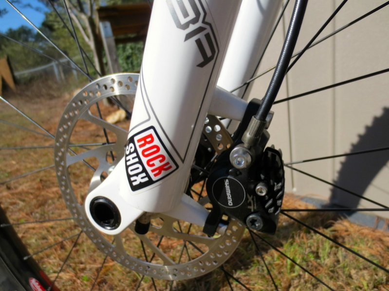 From http://fcdn.mtbr.com/attachments/beginners-corner/789715d1365723144-need-help-new-bike-assembly-thru-axle-axle-pic.jpg